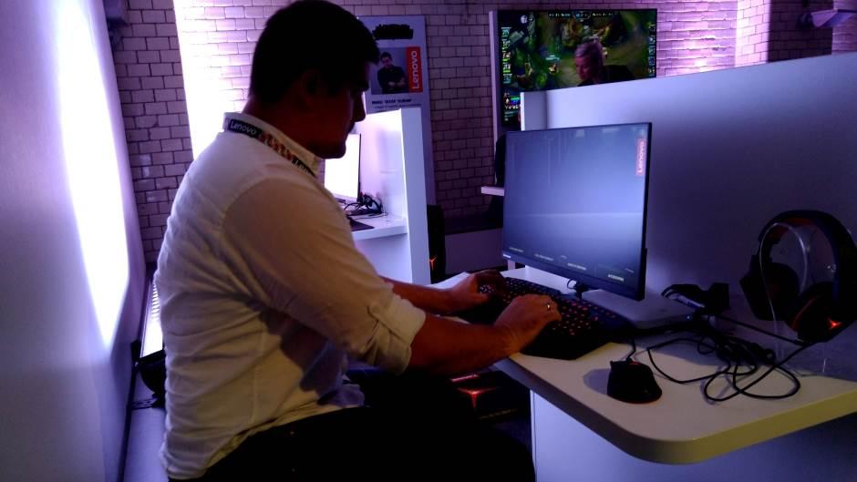 Lenovo, Lenovo IFA, Lenovo IFA 2015, Lenovo Y, PC, Laptop, Kompjuter, Igre, Gejming, Game, Gaming