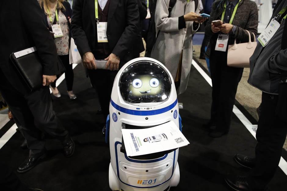 Robot - sluga.