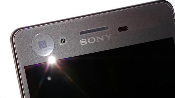Sony Xperia X pozicija NFC čipa