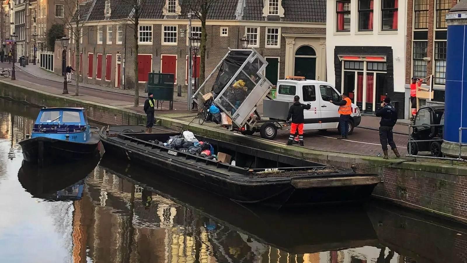 Odlaganje smeća na brodove