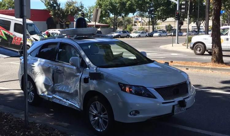 Google auto prvi sudar
