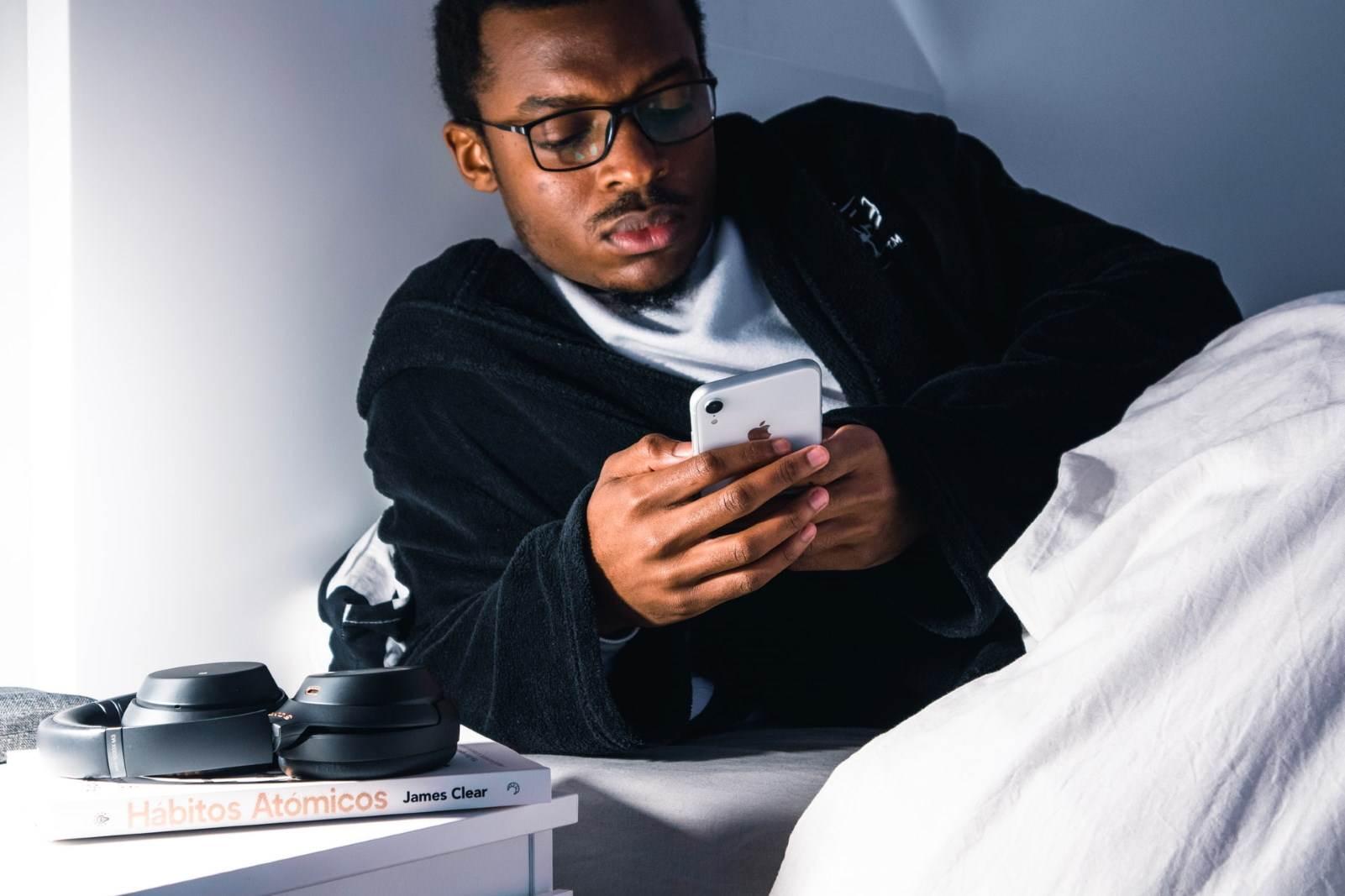 Telefon u krevetu pred spavanje nije dobra ideja