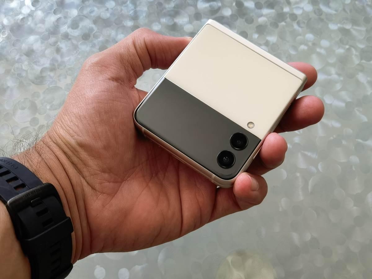 Samsung Galaxy Z Flip3 5G Slike Uživo (18)