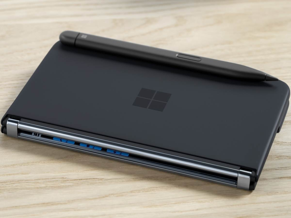 Microsoft Surface Duo 2 9